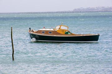 Sortie en bateau sur le Bassin d'Arcachon avec marin privé pour un évènement particulier